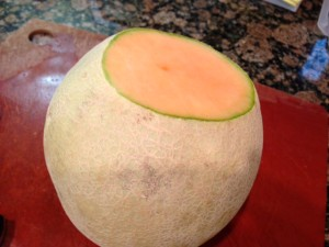 How to cut a melon