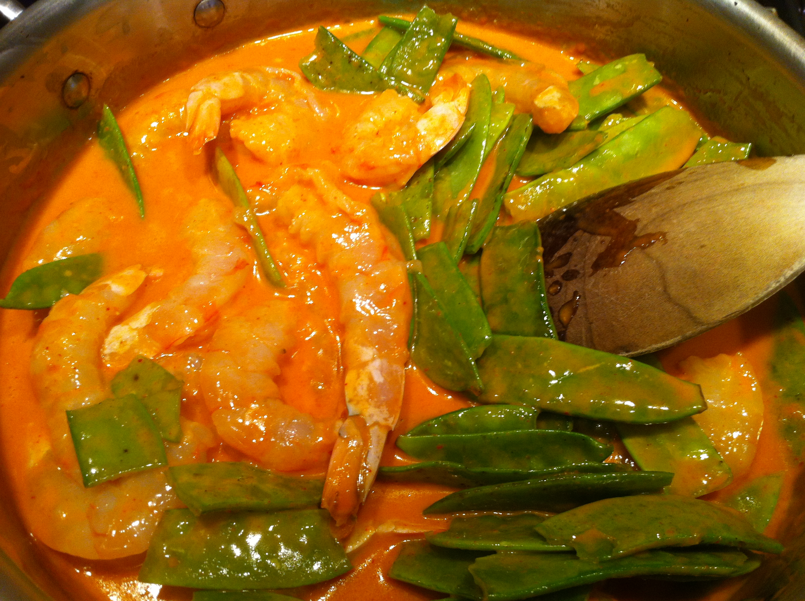 Thai Red Curry Recipe: Shrimp with Snow Peas and Lo Mein