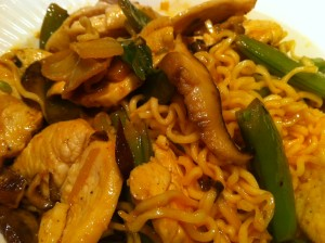asian stir fry with chicken and mushrooms